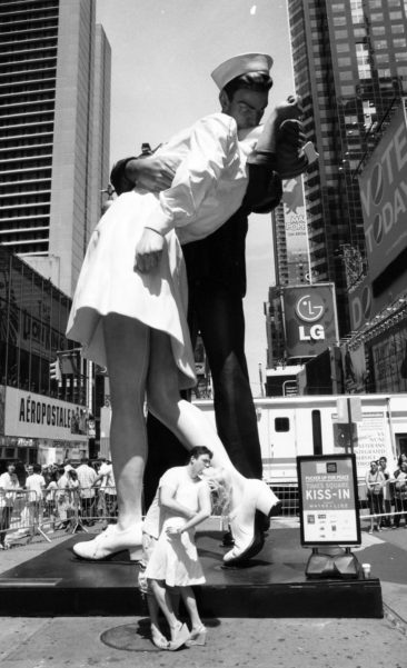 Title: Kiss-In Celebration, Times Square